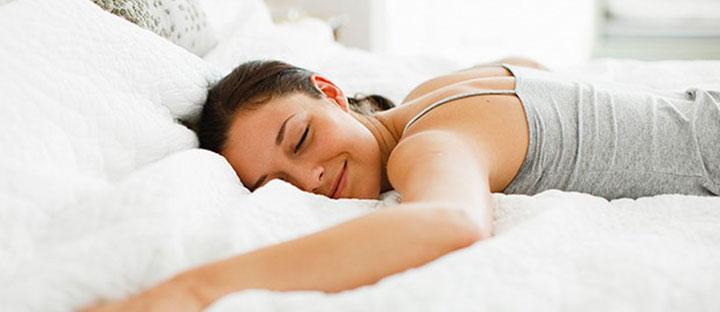 7 Dicas para conseguir dormir bem nas noites mais quentes