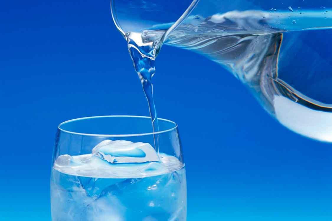Que quantidade de água devo beber?