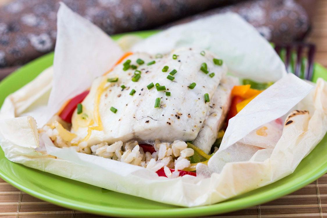 Receita de papelote de peixe e arroz
