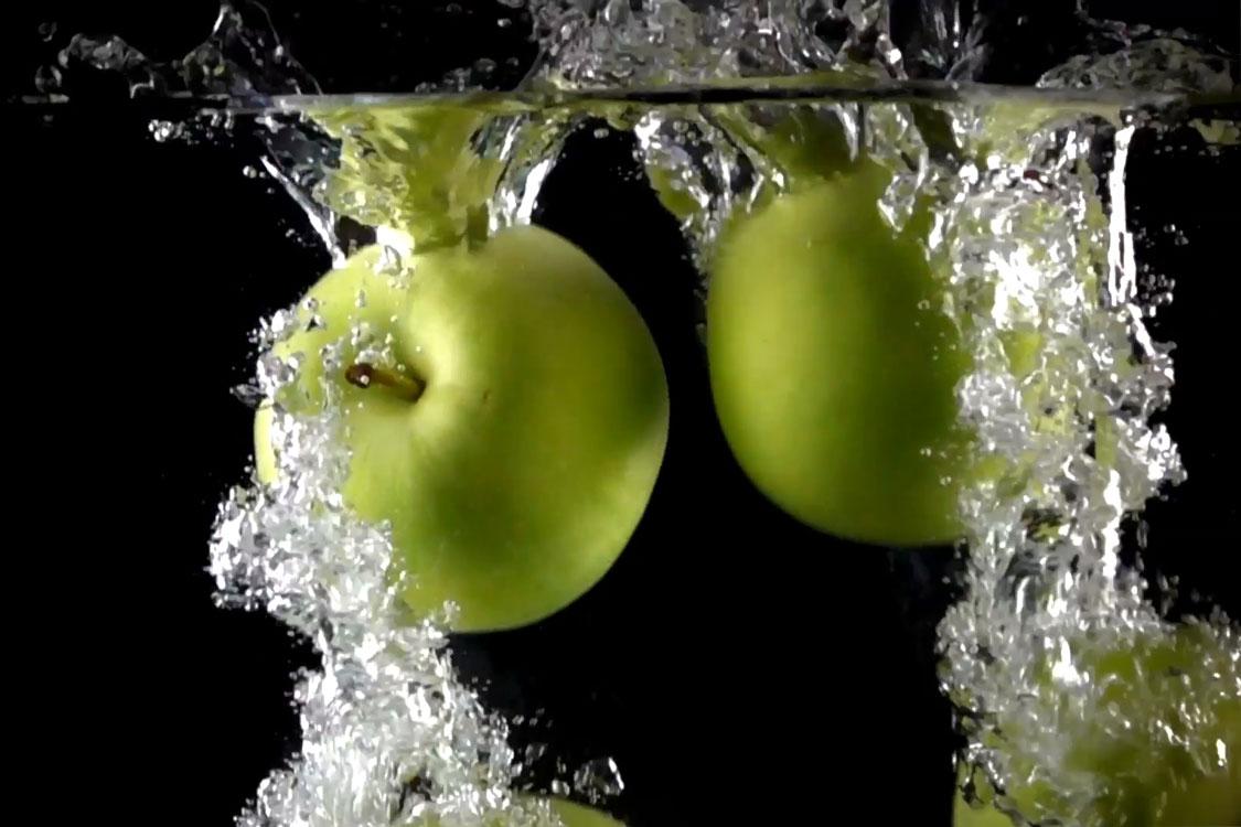 É muito importante beber água de maçã com canela! Saiba porquê!