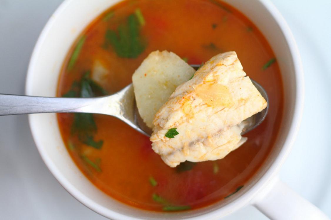 Sopa de bacalhau com tomate
