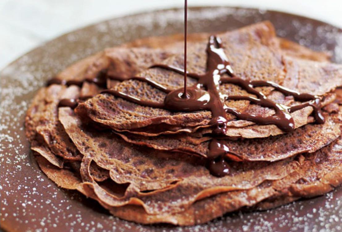 Receita deliciosa de crepes de chocolate com recheio