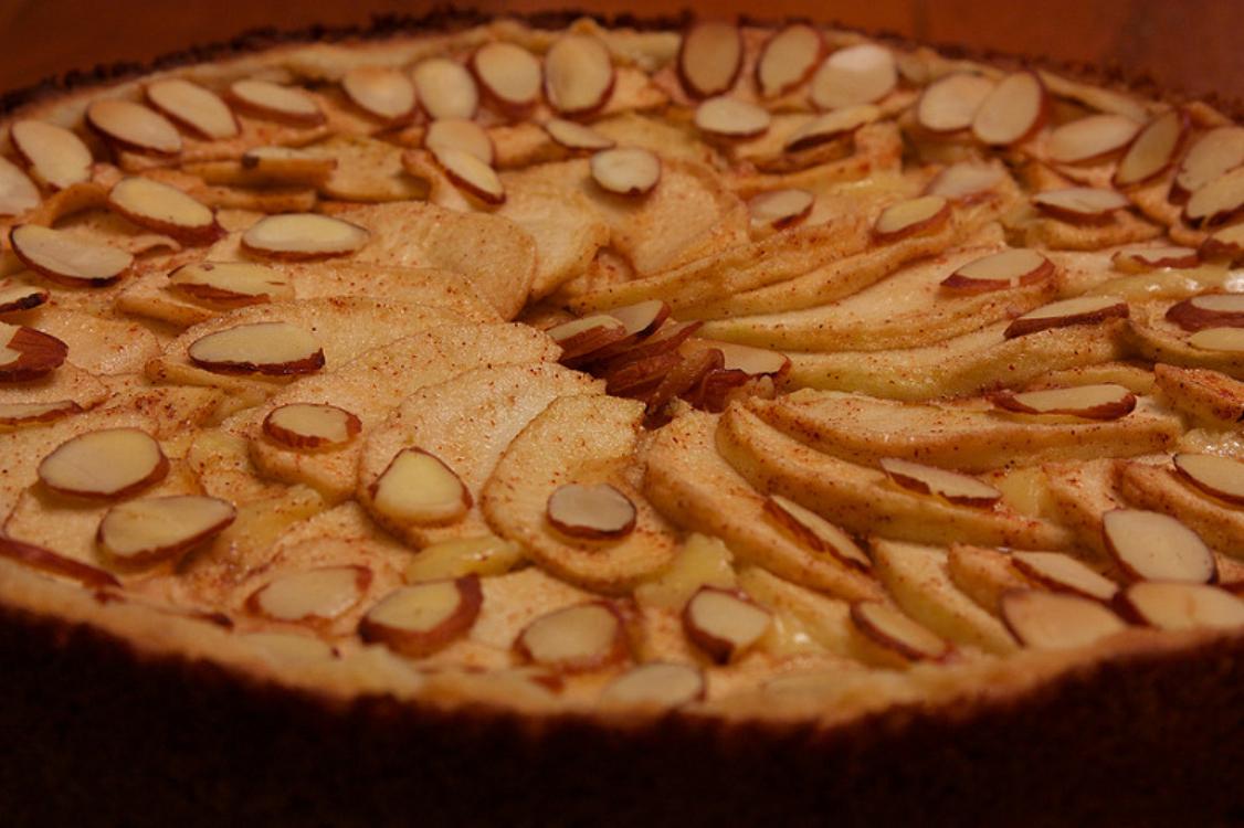 Tarte de amêndoa e maçã