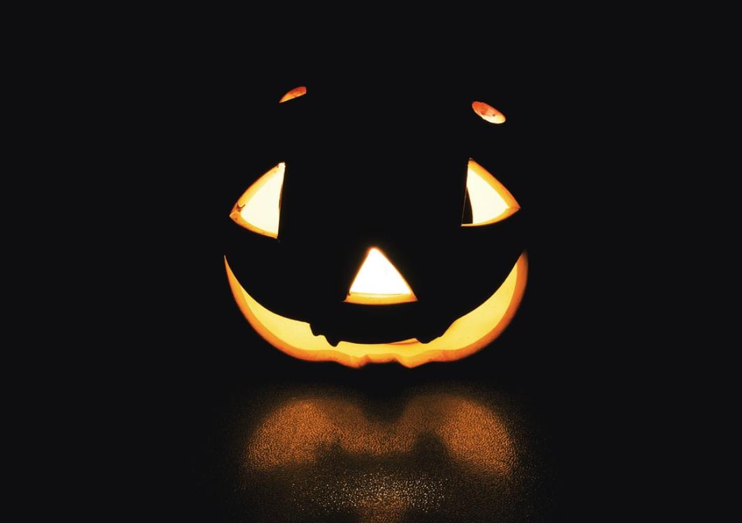 Sabia que o Halloween e o Dia de Todos os Santos têm muito em comum?