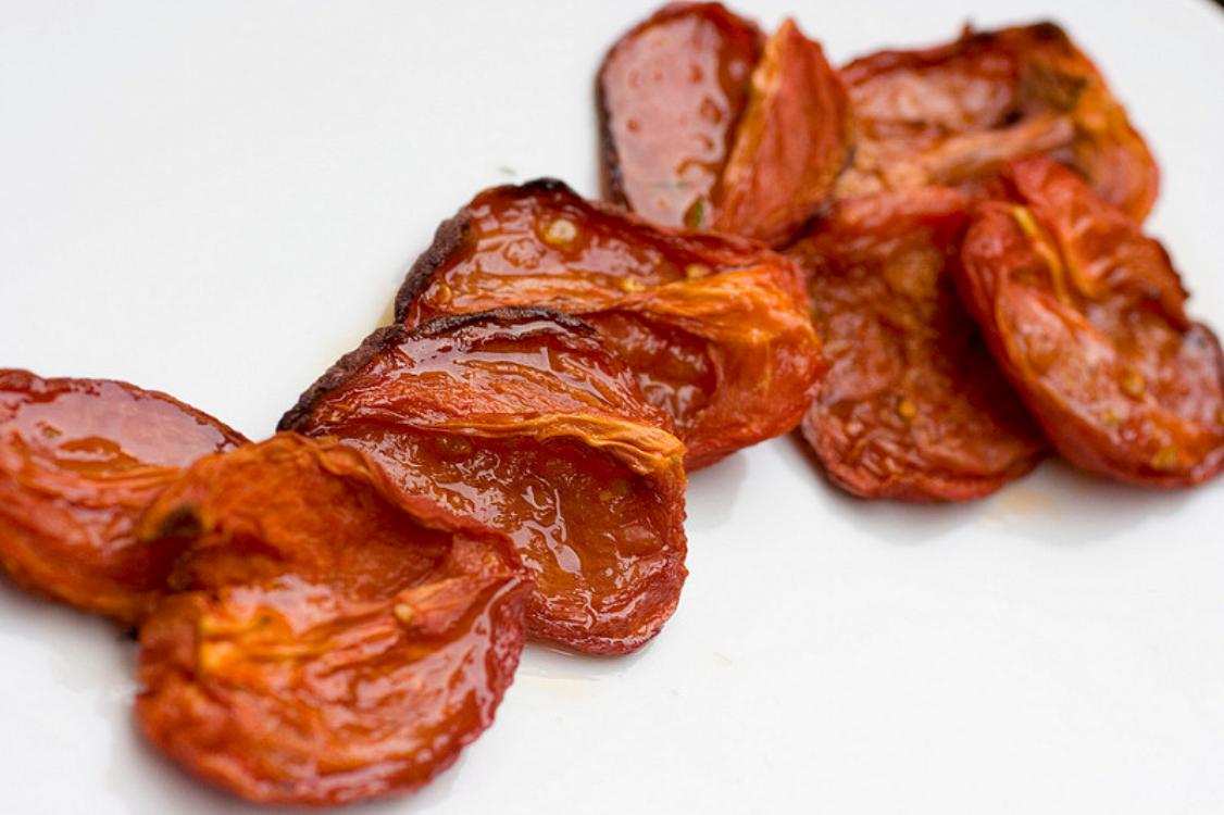 Receita de tomates assados no forno
