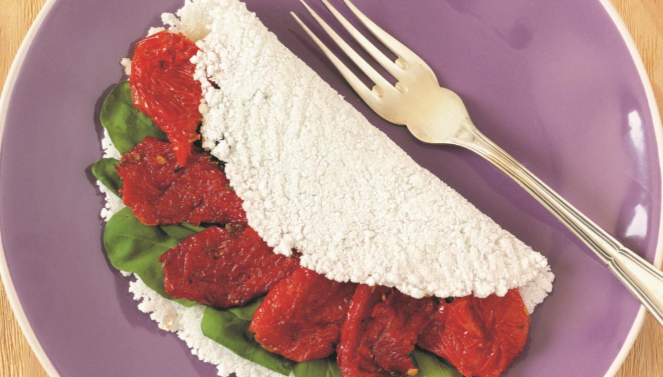 Tapioca de tomate seco e manjericão