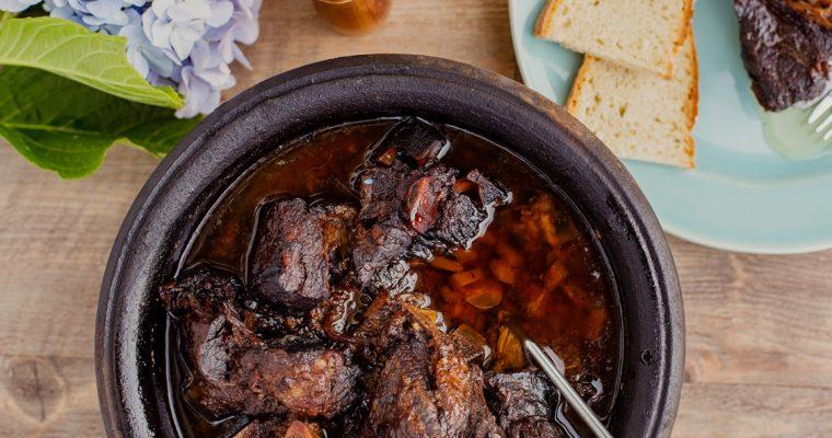Alcatra, um prato ex-libris da cozinha tradicional da ilha Terceira!