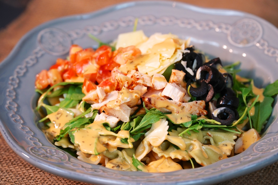 Salada de rúcula, pasta e frango: uma receita saudável!