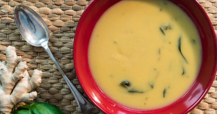 Creme de grão com espinafres e gengibre: uma entrada muito saudável!