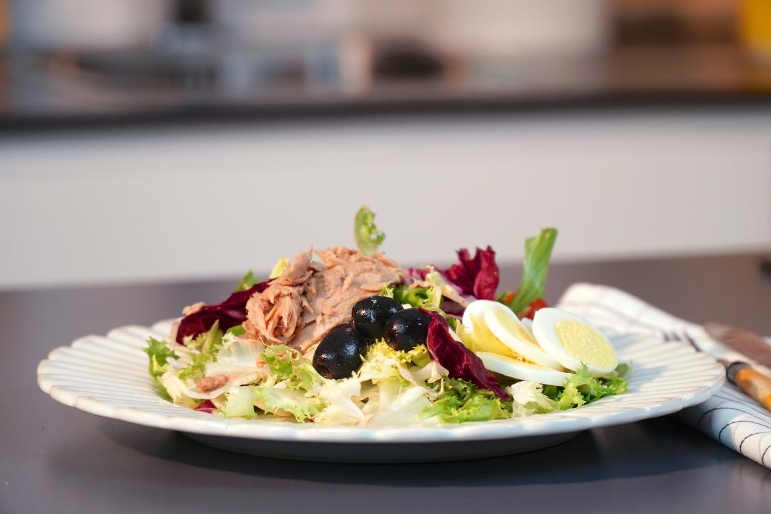 Salada de atum: uma ótima receita para levar para a praia!