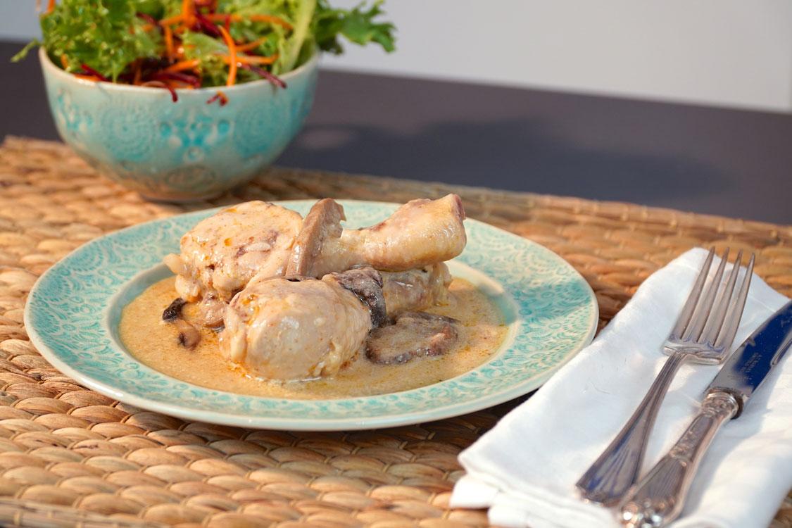 Perninhas de frango com molho de cogumelos: petisco para os santos!