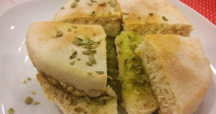 Receita de bolo do caco com manteiga de alho à moda da Madeira