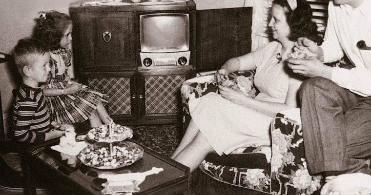 """Dia Mundial da Televisão, """"a caixa que mudou o mundo"""""""