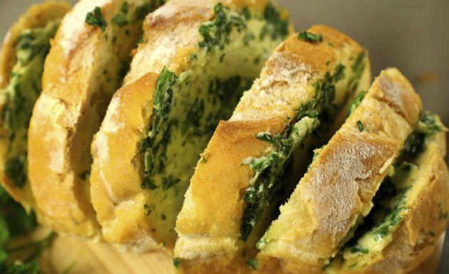 Pão com alho caseiro