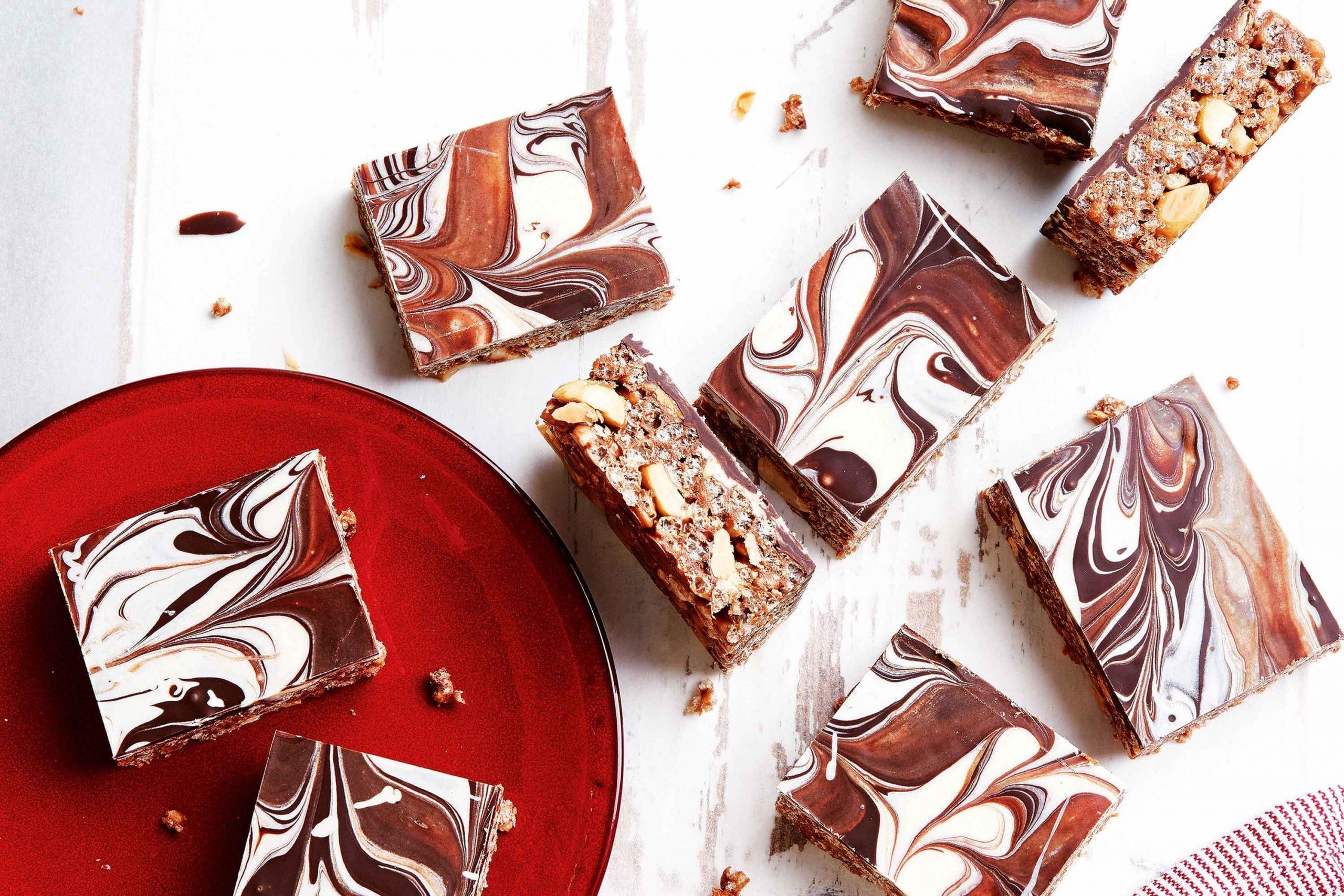Quadrados de chocolate com amendoim