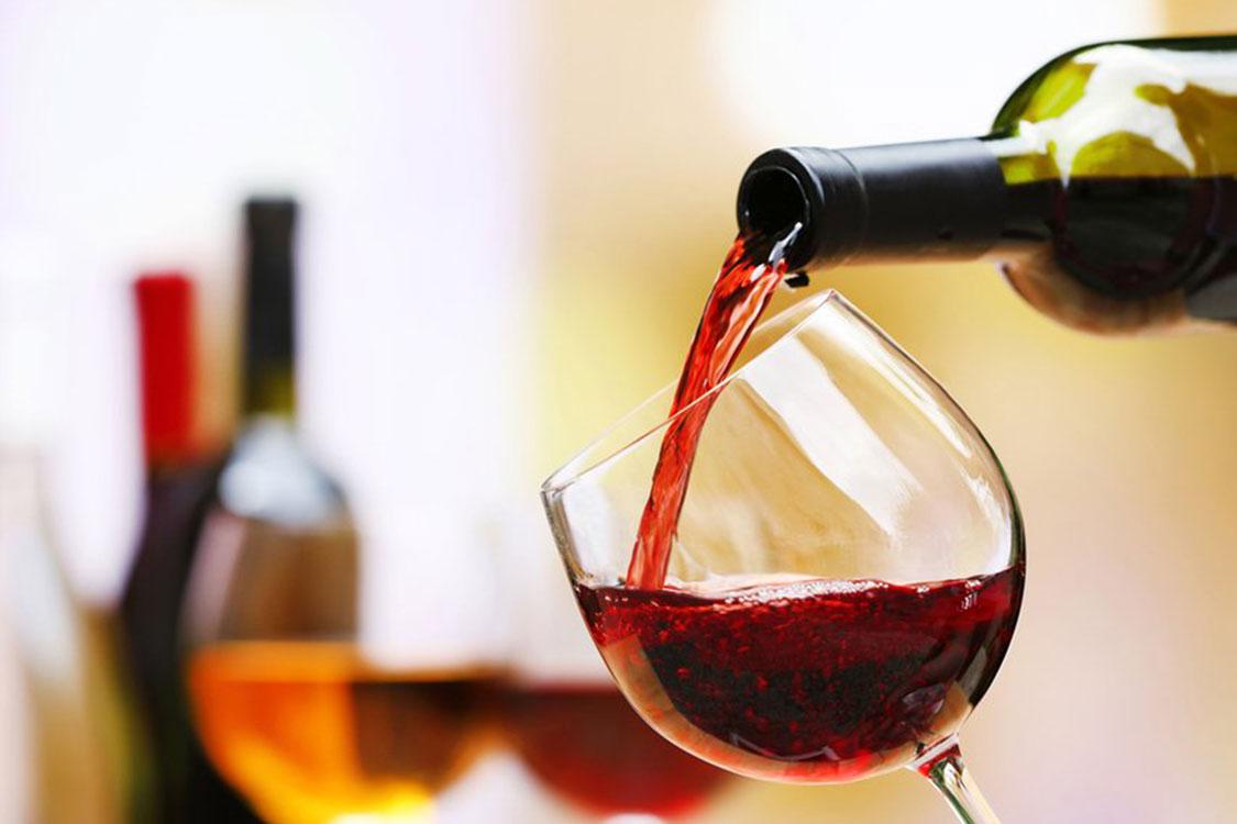 Tragam o copo de vinho