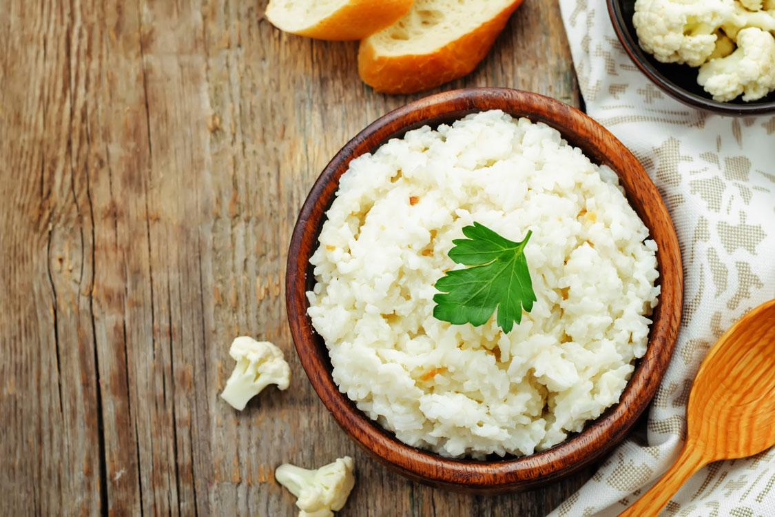 """Já provou """"arroz"""" de couve-flor e alho?"""