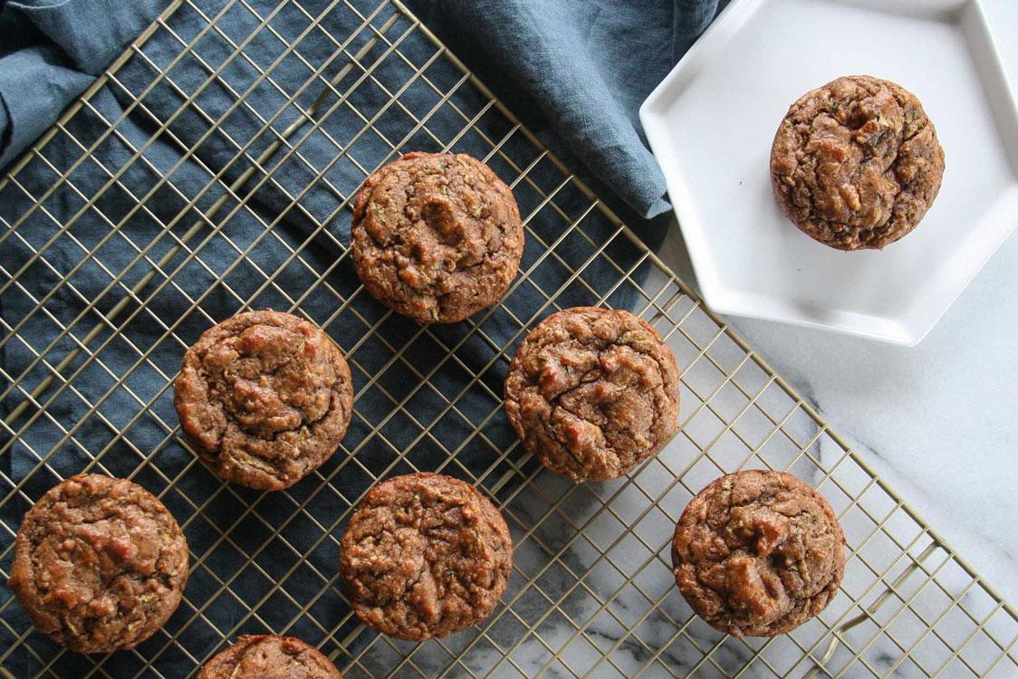 Prepare uns muffins sem açúcar e com muito coco!