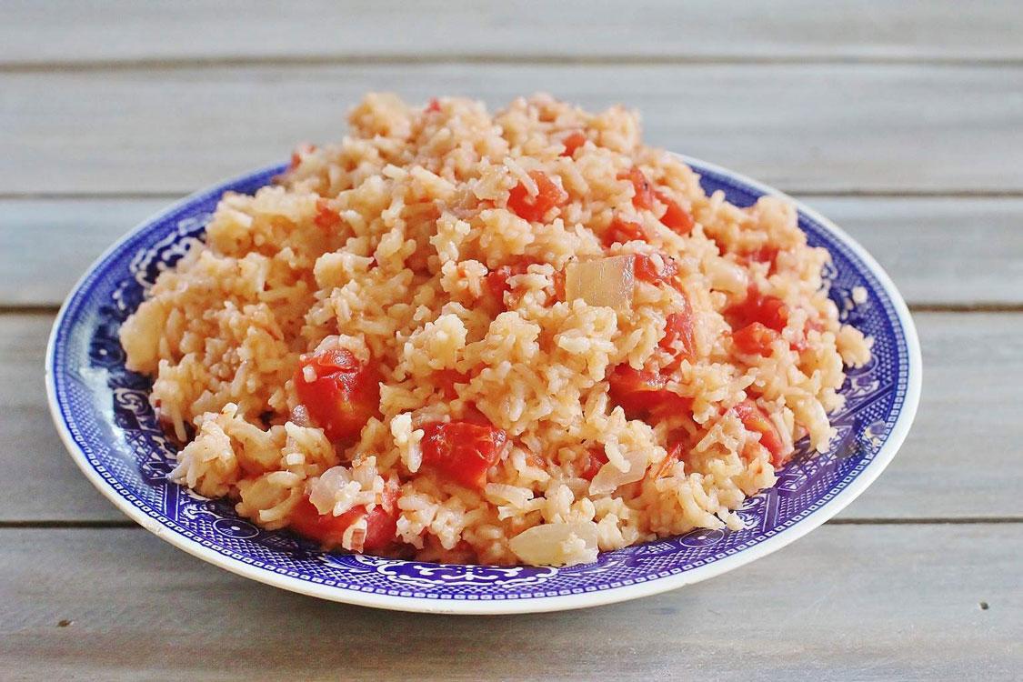 Arroz de tomate: saudável, saboroso e fácil de fazer!
