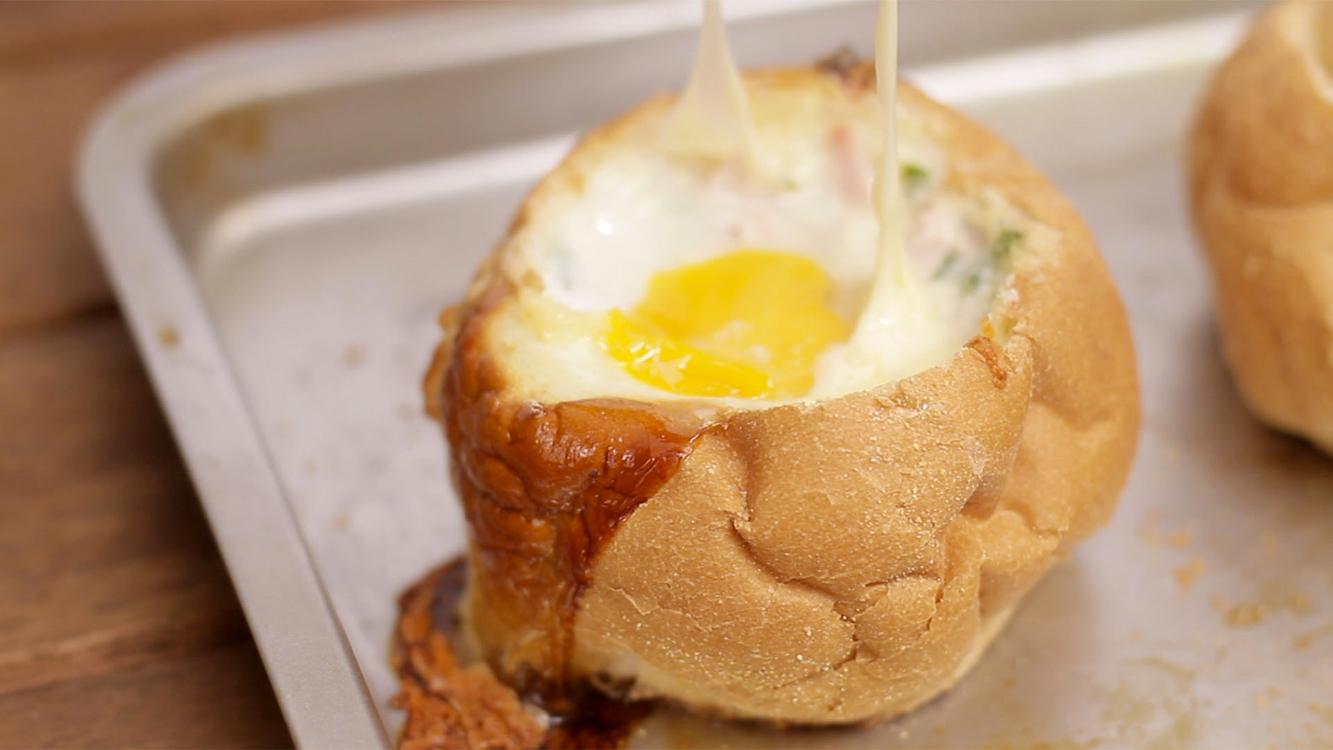 Pão recheado com ovo: apaixonei-me por este petisco!