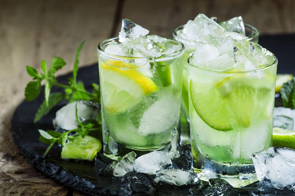 Caipirinha: a bebida que vai dar as boas-vindas à primavera!