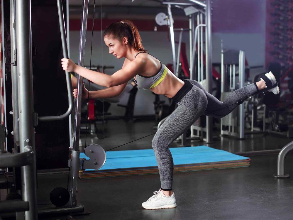 Estes são os melhores exercícios para levantar os glúteos!