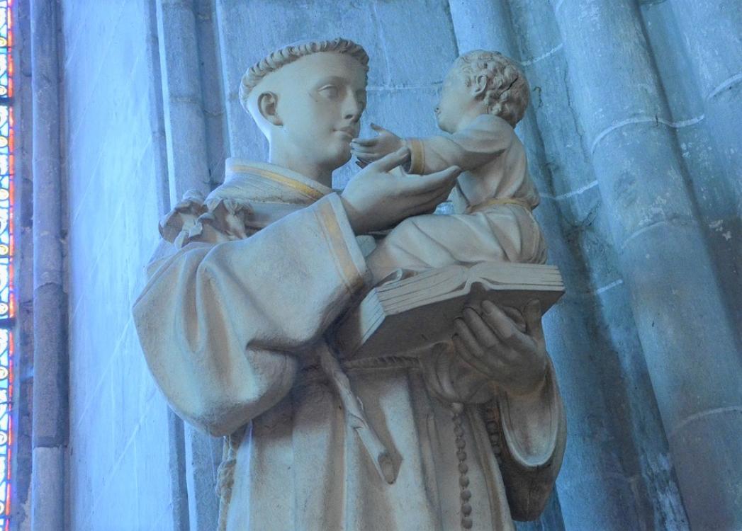 5 curiosidades sobre o Santo António que (quase) ninguém sabe!