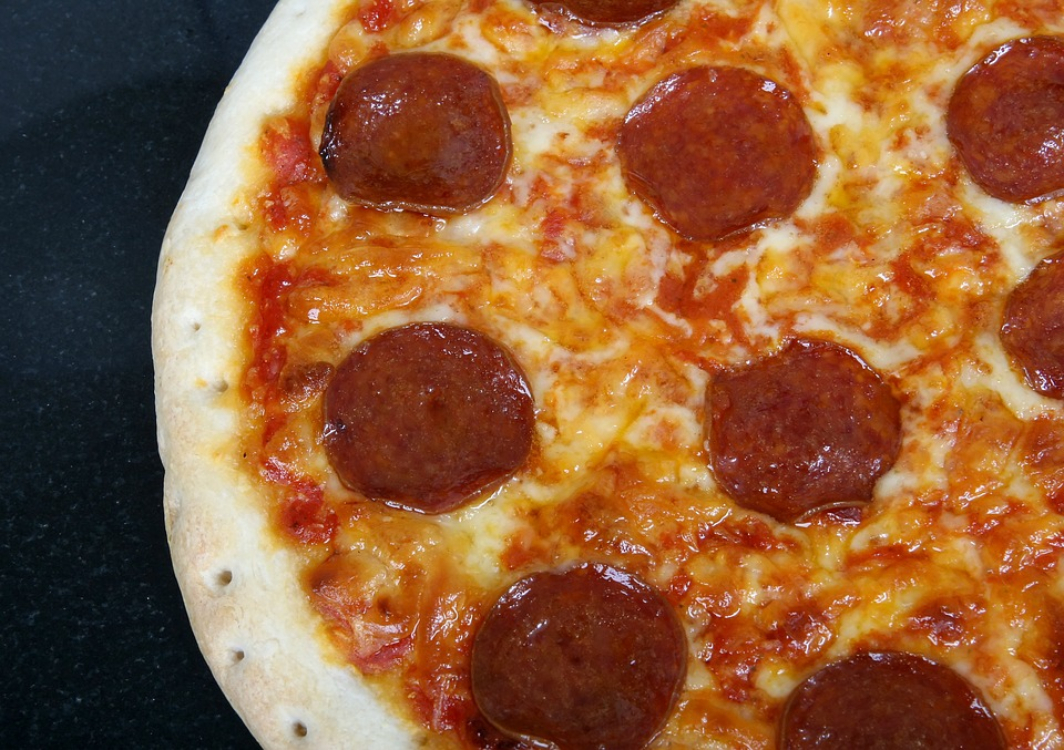 Pizza de chouriço sem glúten