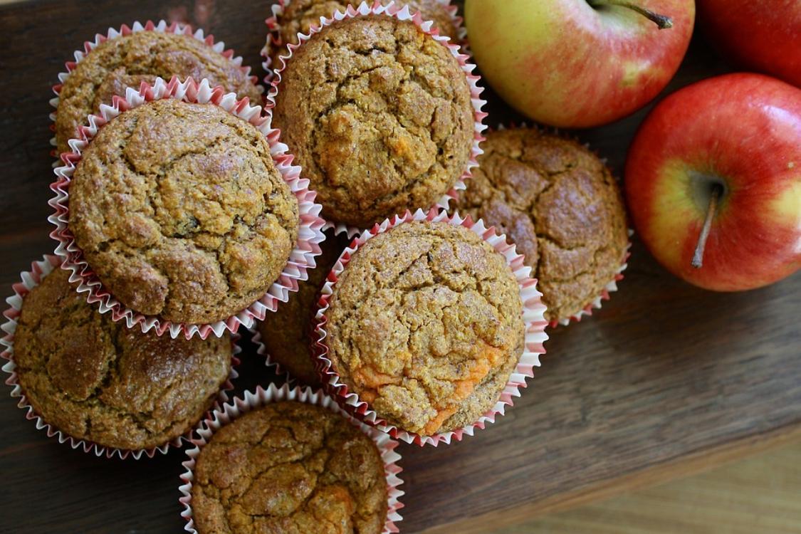 Queques de maçã e aveia: ficam prontos em menos de 5 minutos!