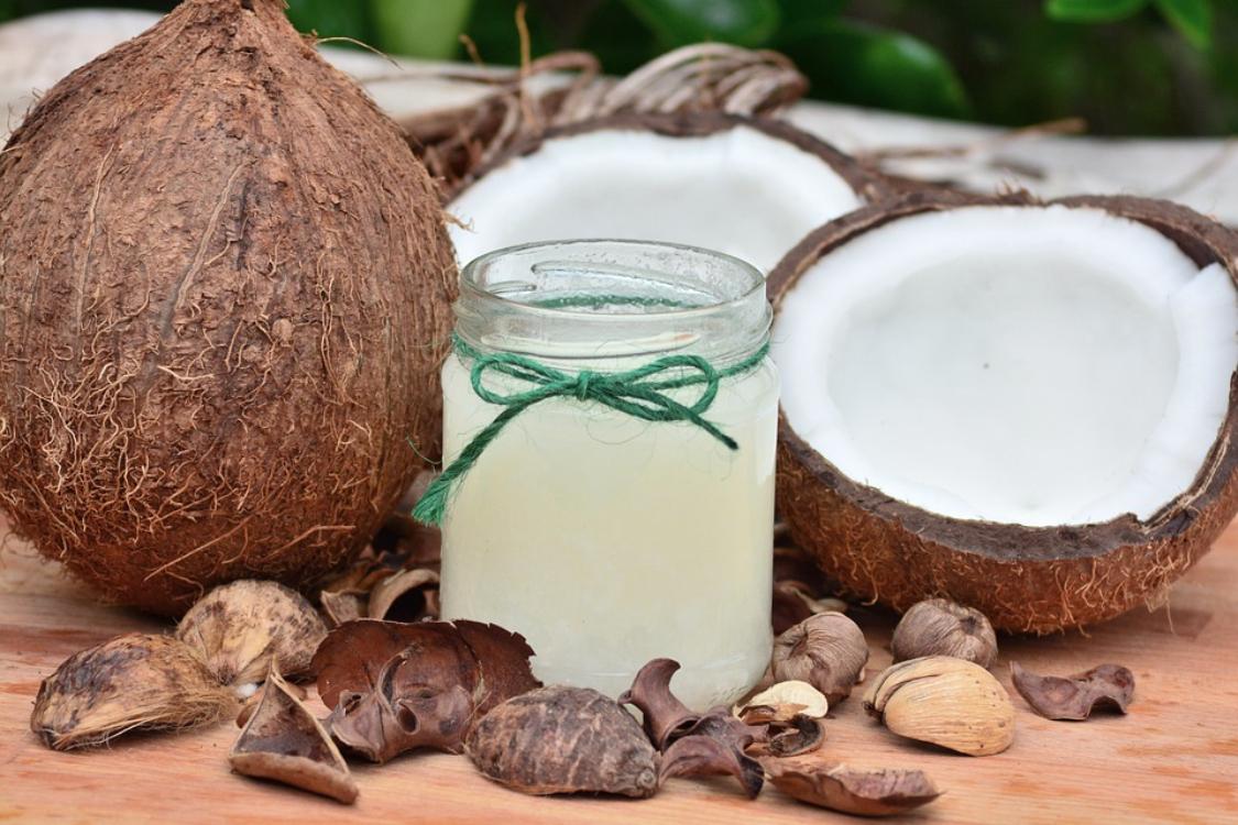 7 motivos para ter óleo de coco na sua casa de banho!
