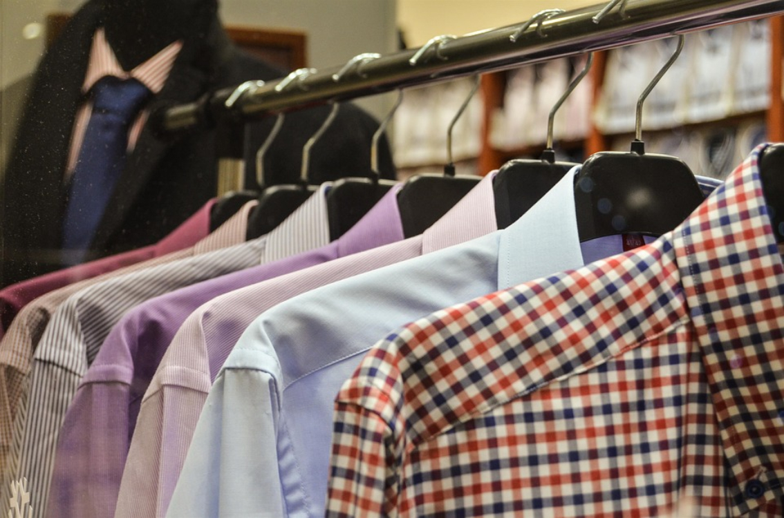 Saiba porque os botões das camisas femininas e masculinas ficam em lados opostos!