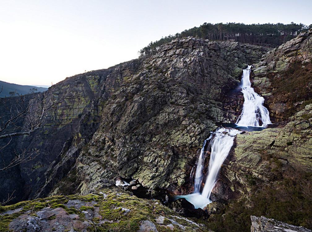Descobrir Portugal: é obrigatório conhecer estas cascatas secretas neste verão!