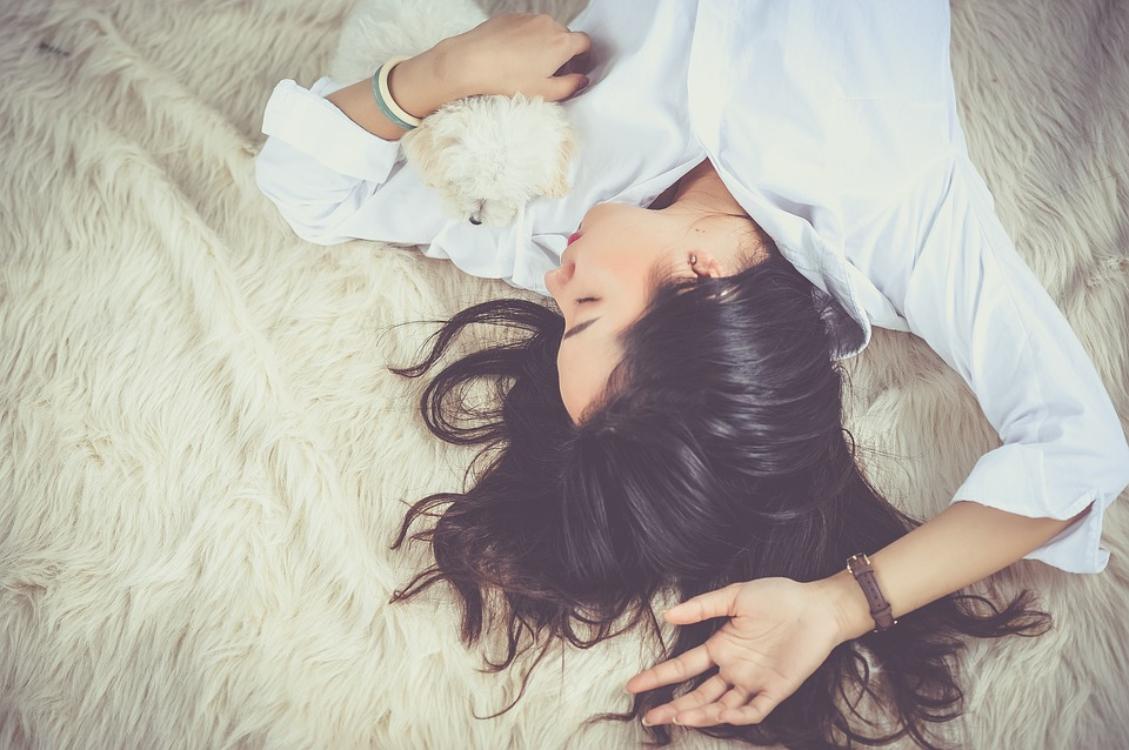 Faça uma pausa. Dormir a sesta é o segredo para sermos felizes!