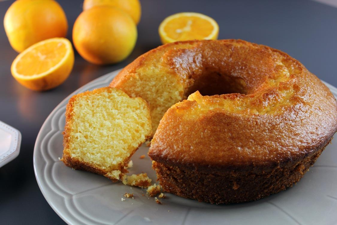 Receita de um dos melhores bolos de laranja que já provei!