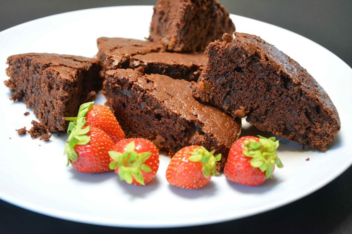 Receita fantástica de bolo de chocolate: só precisa de 2 ingredientes!