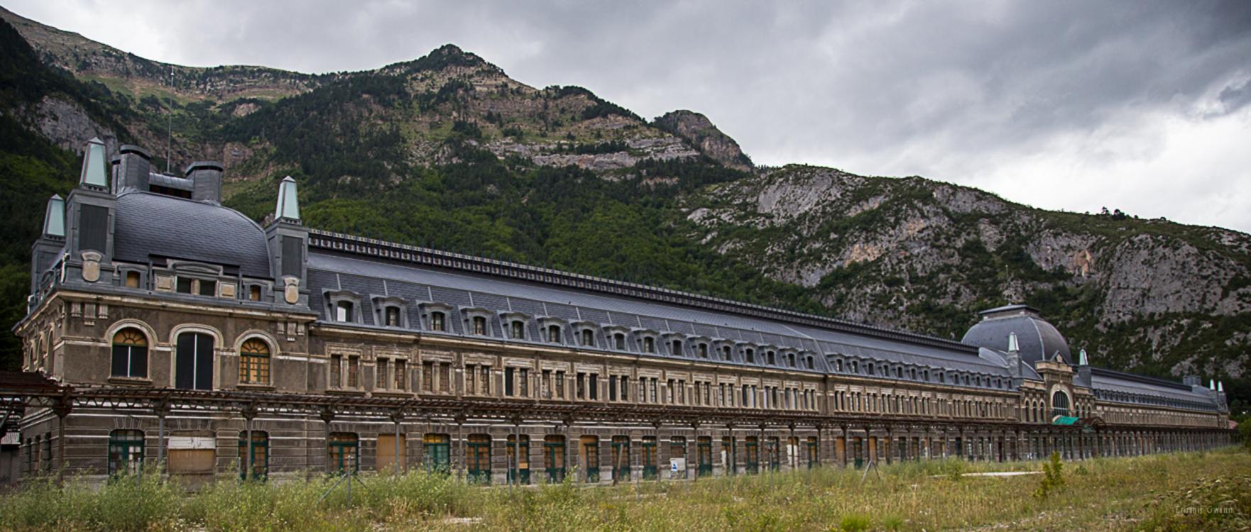 Esta é uma das estações de comboio mais bonitas do mundo… e está abandonada!