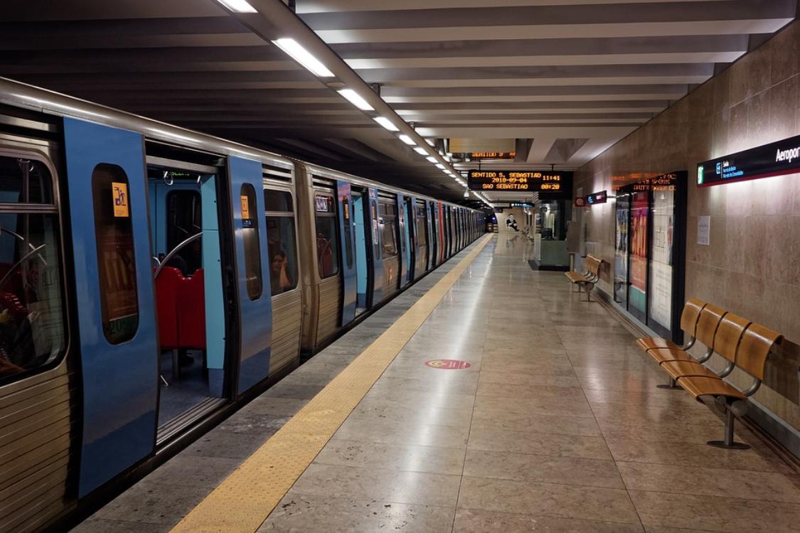Com o novo passe na área de Lisboa, milhares de pessoas vão poupar mais de 100€!