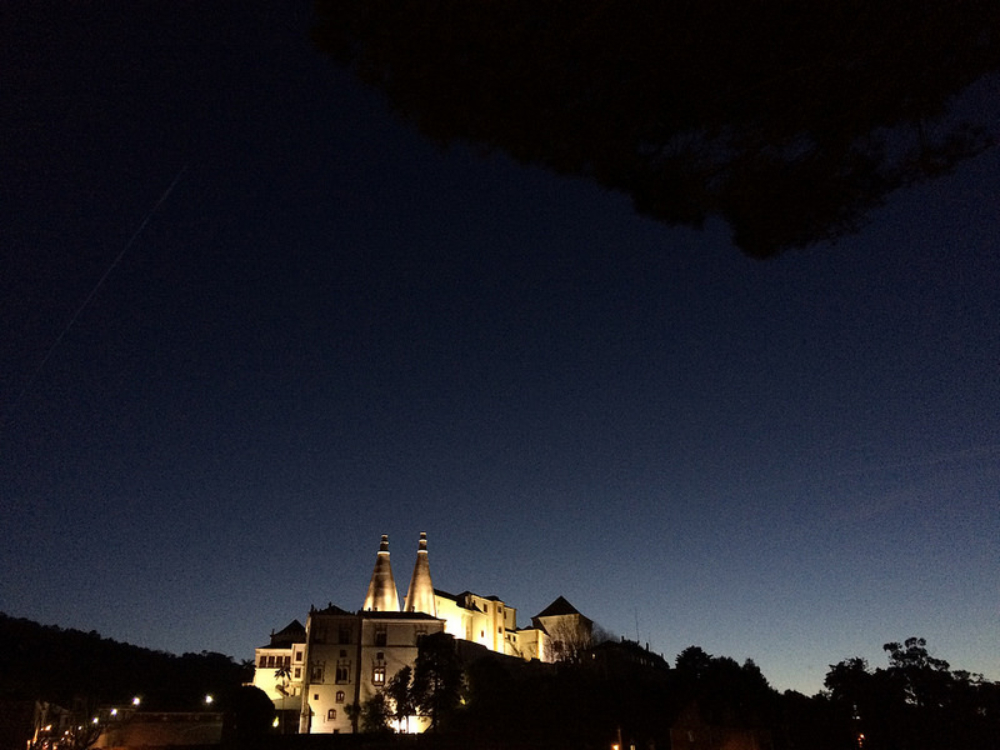 Aceita uma caminhada noturna por Sintra… em aldeias fantasma?