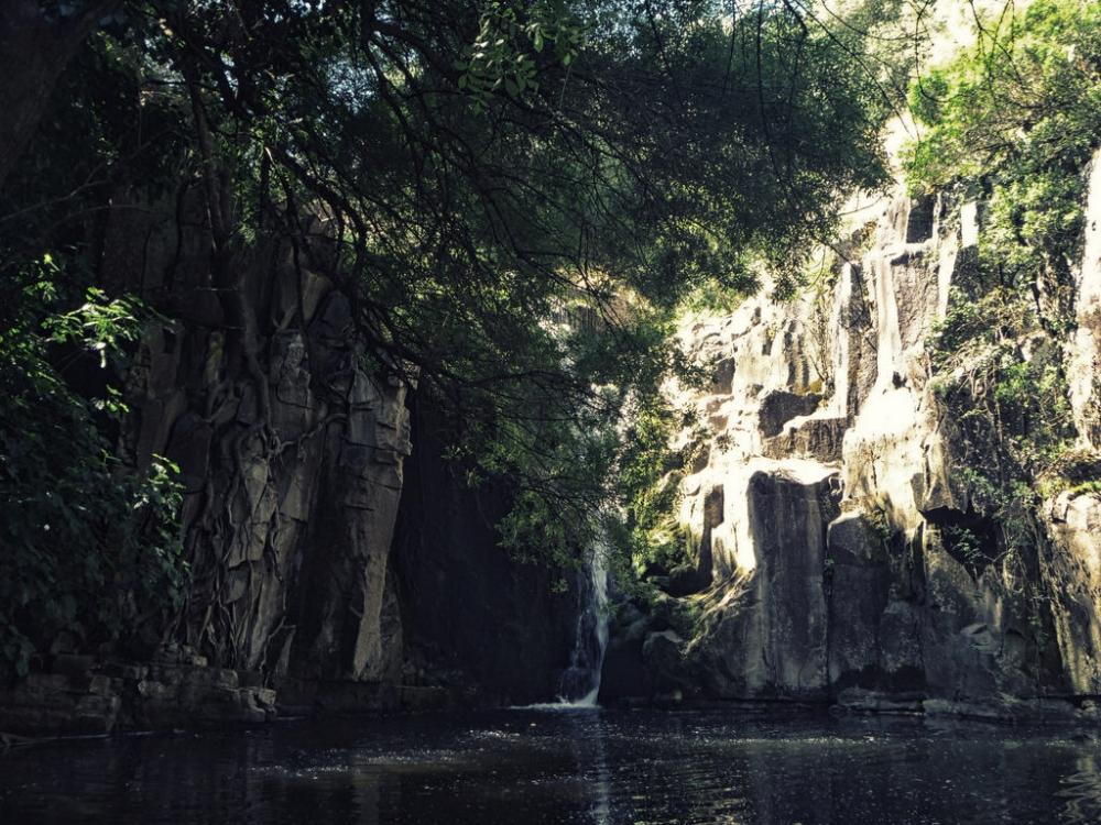 Faça esta caminhada por Sintra para descobrir duas cascatas deslumbrantes!