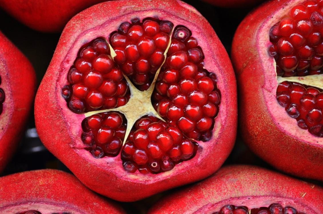 Quem tem a tradição de comer romãs no Dia de Reis?