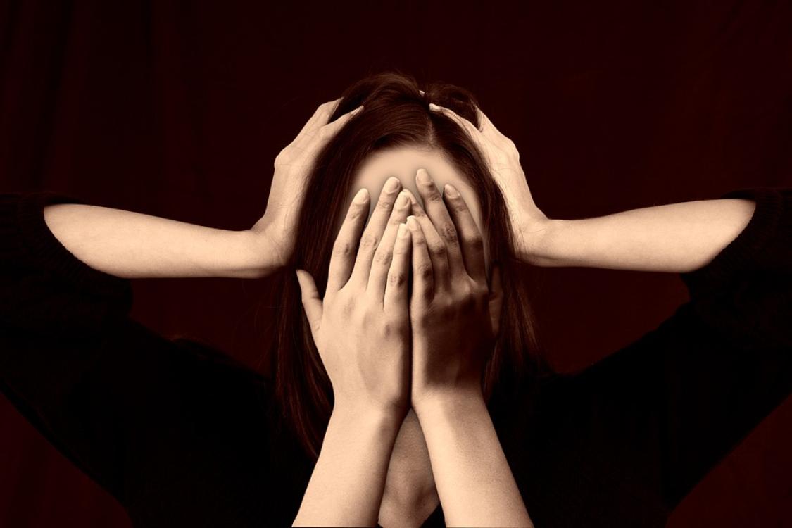 Alerta! O stress causa estes 5 sintomas físicos!