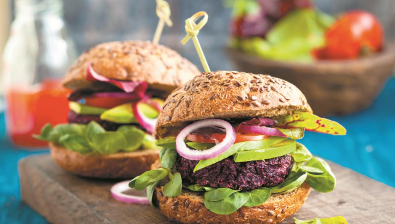 Hambúrguer de beterraba e quinoa