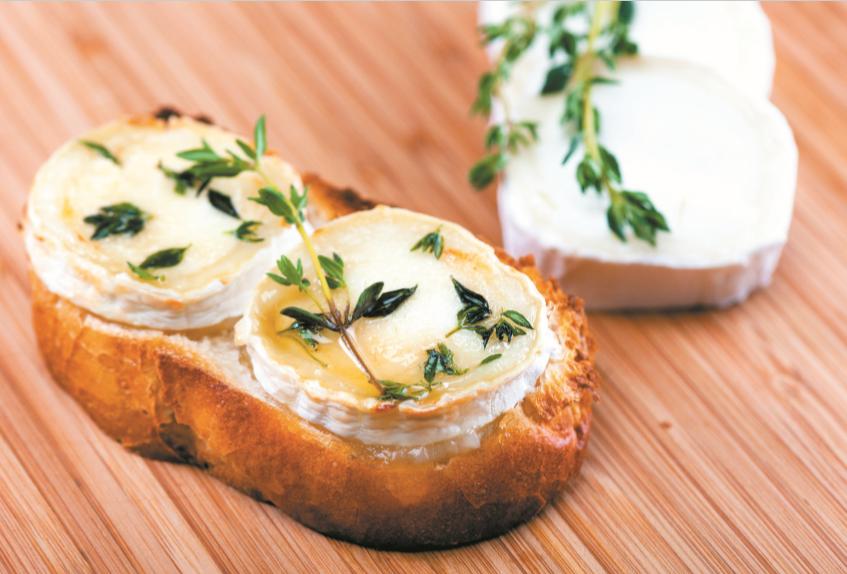 Bruschetta com queijo de cabra, mel e tomilho