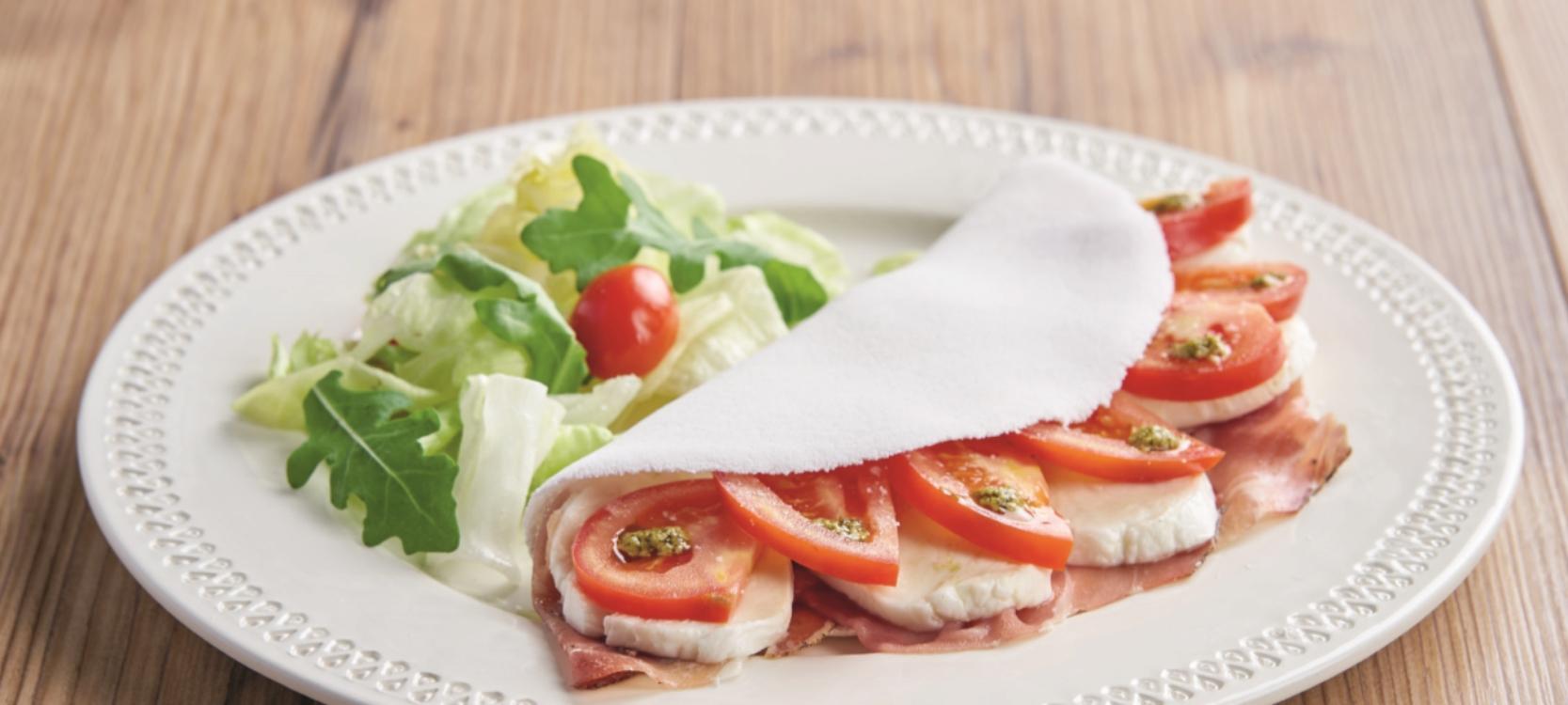 Tapioca de presunto e tomate