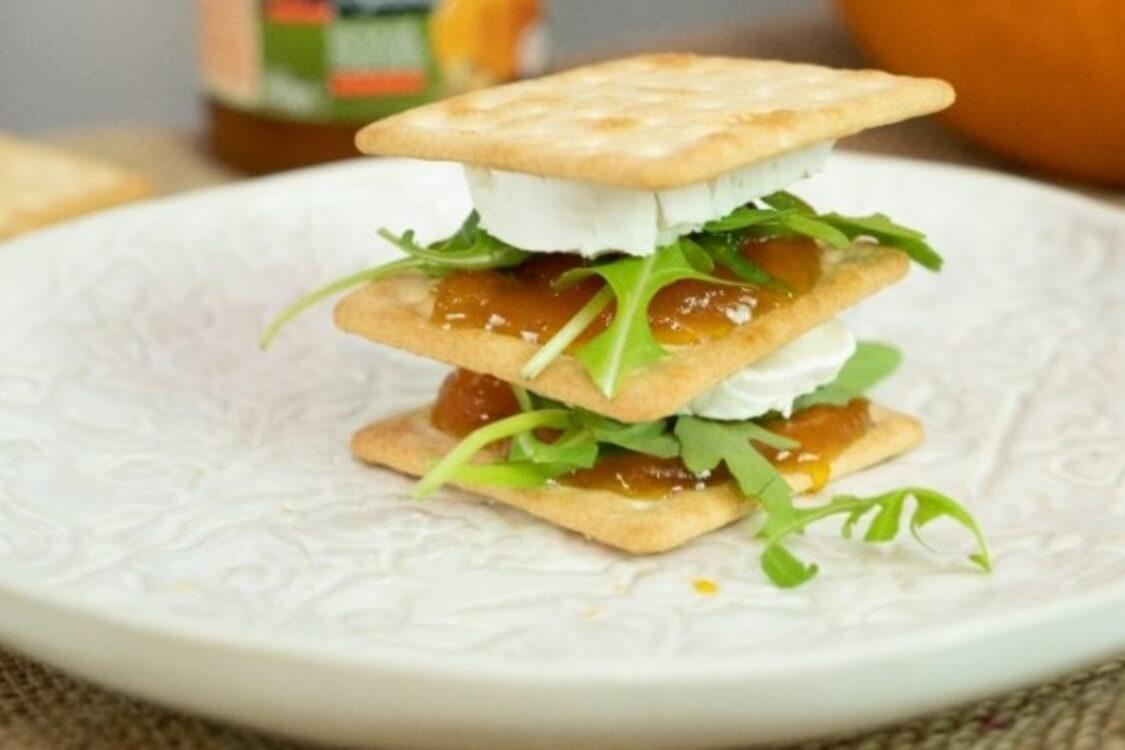 Mil-folhas de queijo de cabra e abóbora: uma rica entrada saborosa e light!