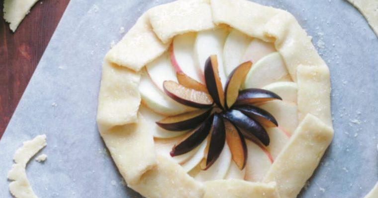 Tarte de maçã e ameixa: a receita de um doce irresistível!