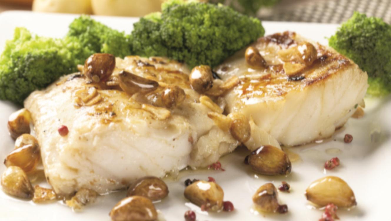 Bacalhau com alho e pimenta rosa: nada mais simples… e saboroso!
