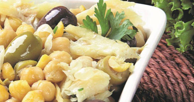 Salada de grão e bacalhau, para começar uma apetitosa ceia de Natal!