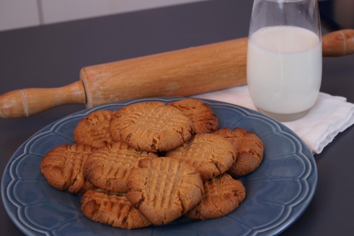 Bolachas de manteiga de amendoim: apenas precisa de 3 ingredientes!