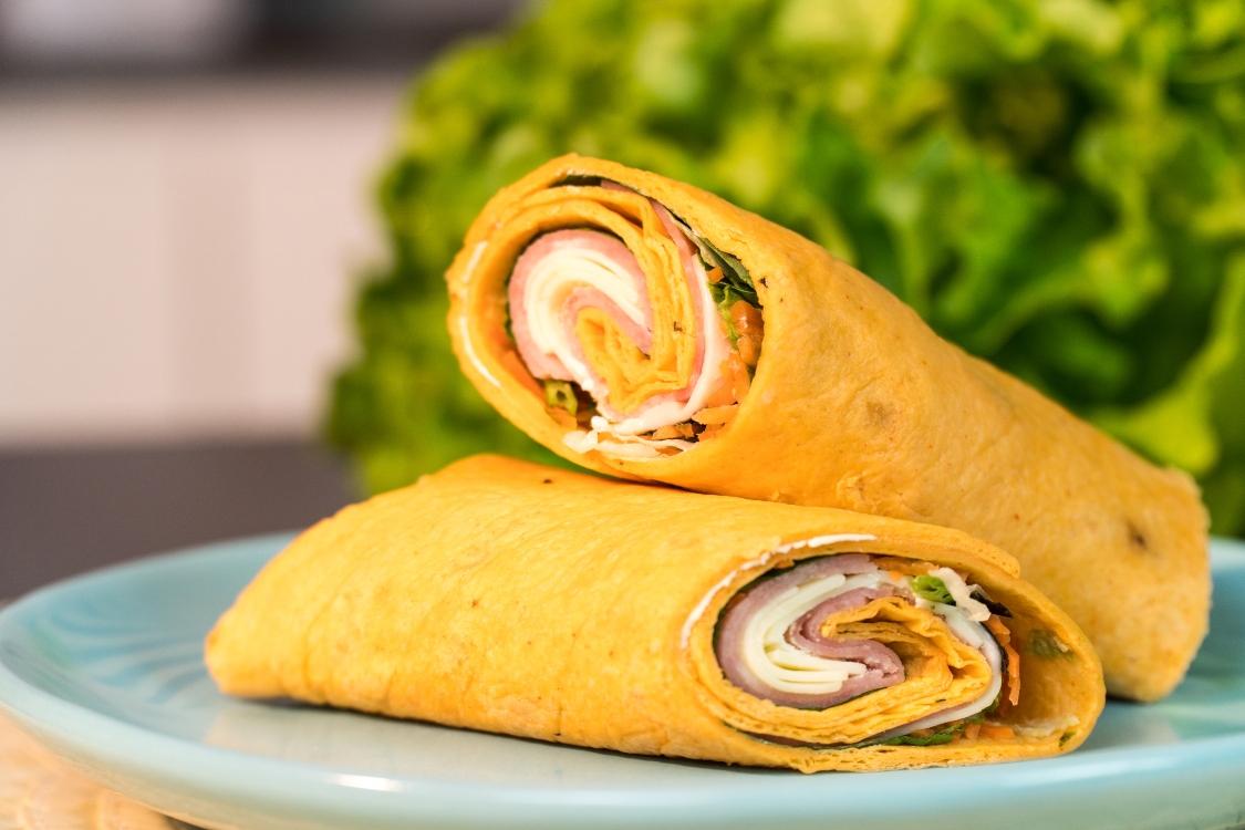 Wrap misto com salada: uma receita incrível… e muito prática!